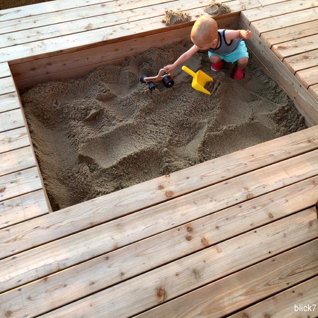 Bild von unserem Sandkasten in der Terrasse