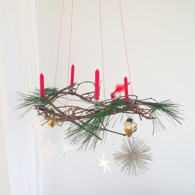 Filigraner DIY Adventskranz aus Ästen