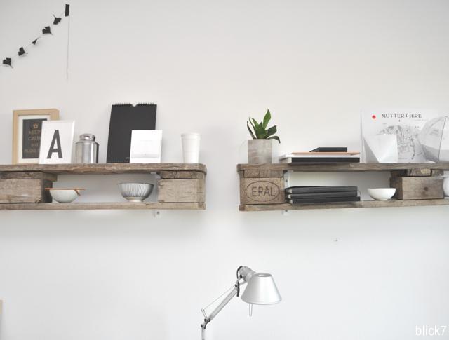 Palettenregal im Arbeitszimmer | by blick7