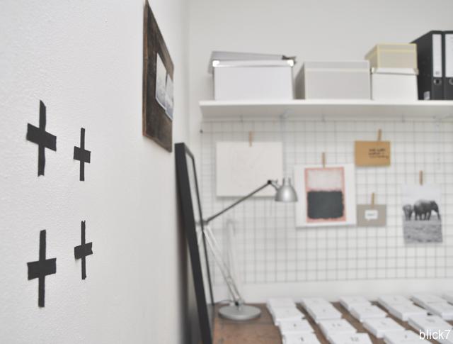 Wandtattoo Kreuze im Arbeitszimmer | by blick7