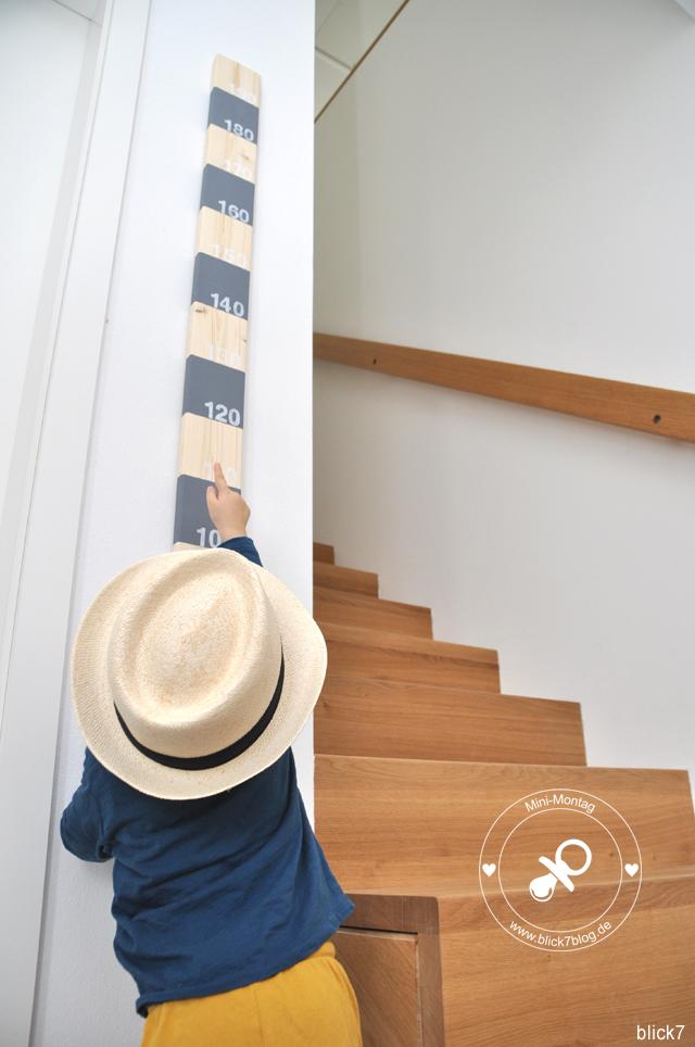 DIY-Messlatte aus Holz grau mit gestempelten Zahlen | blick7