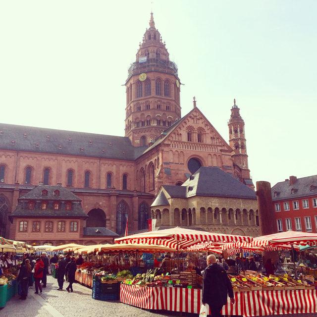 Mainz_Wochenmarkt am Dom