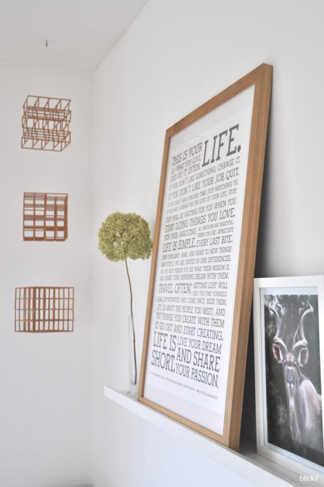 Shelfie mit DIY-Holz-Mobile