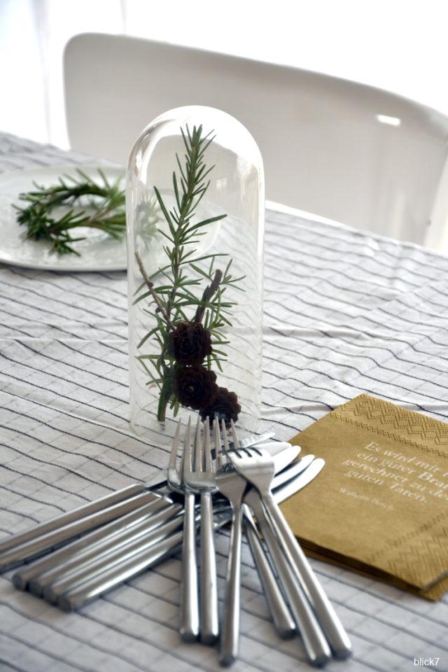 Tischdeko mit Rosmarin