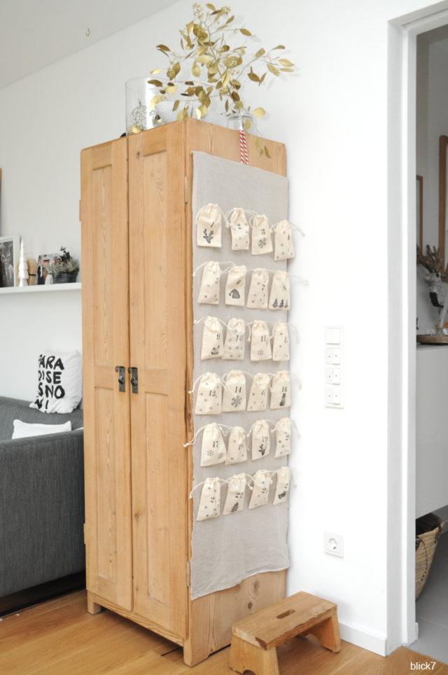 DIY Advenskalender aus bestempelten Baumwollsäckchen