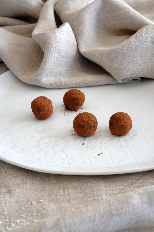 weihnachtliche Energyballs | gesunde Plätzchen | ohne zucker