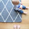 Der  neue Filzkugelteppich vom kleinen Mann
